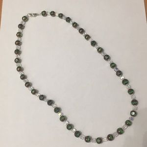 Jewelry - Green and clear necklace